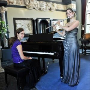 Kamermuziek duo Eline van Vroonhoven en Liset Pennings